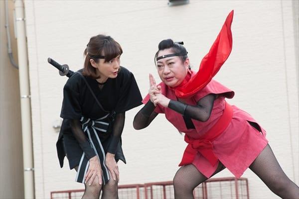 """藤谷美紀が""""かわいすぎるくノ一""""に!山村紅葉と忍者に変身"""